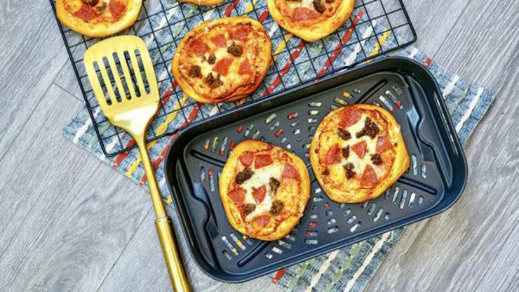 Easy Air Fryer Pizza