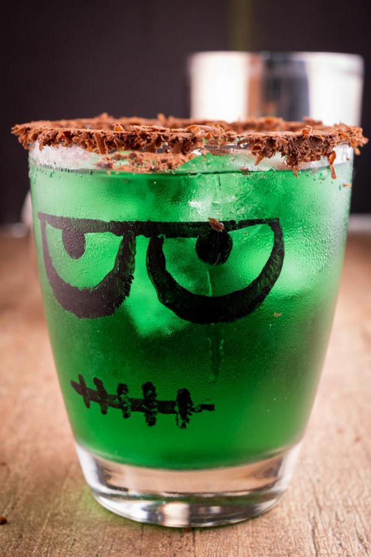 Alcoholic Drinks – BEST Frankenstein Halloween Margarita Recipe – Easy and Simple On The Rocks Alcohol Drinks