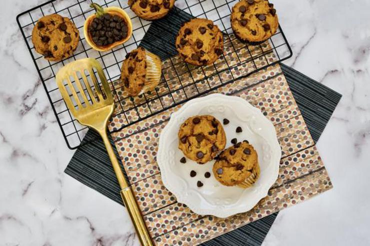 3 Ingredient Chocolate Chip Pumpkin Muffins