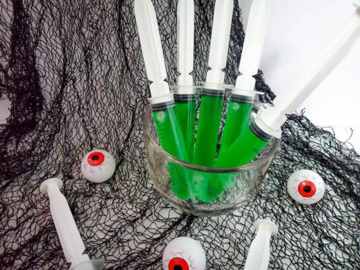 Alcohol Drinks Biohazard Green Ooze Jello Shot Injectors